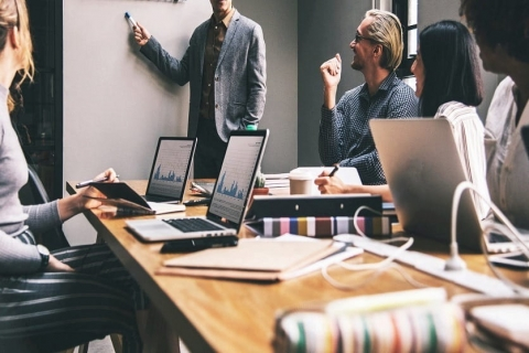 Top 4 Devices You Need For Business Meetings In The UK