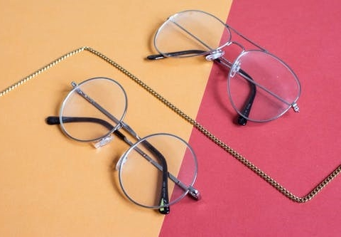 Prefer Glasses Over Contact Lenses