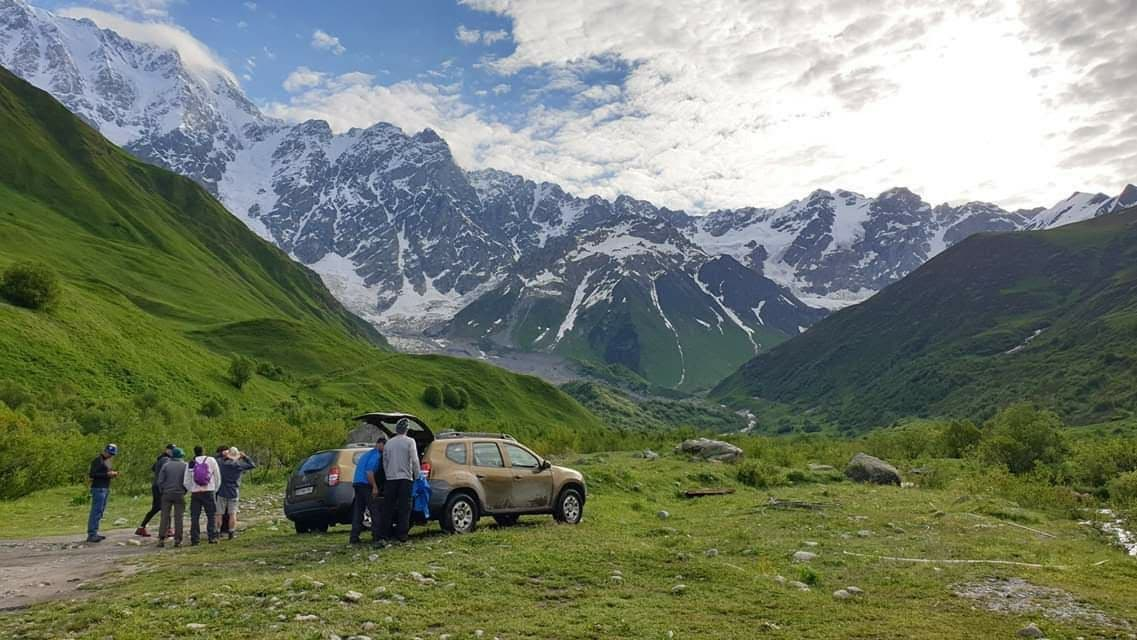 Rent car in Tbilisi and travel to Sighnaghi