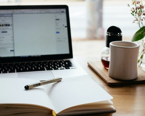 Become A Copywriter in Just A Few Days!